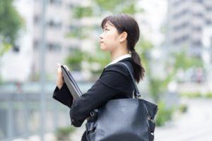 転職活動中の女子